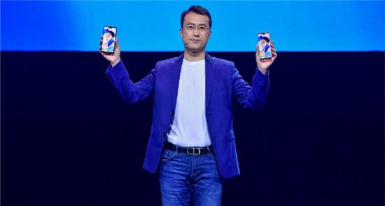 华为何刚:nova手机用户超3000万,再发2400万前置镜头nova-3e