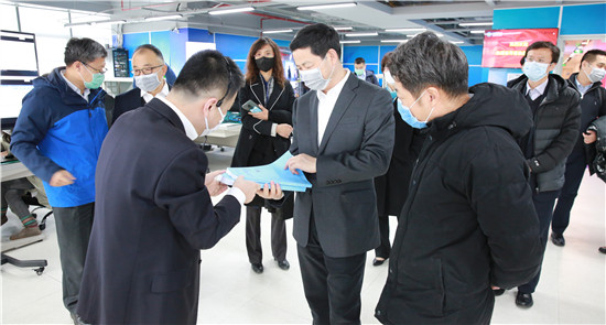 杨杰到中国移动研究院调研指导5G SA试验测试